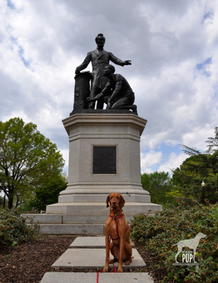Tavish at the Freedmen's Memorial